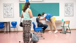 """""""Luftfilter und Testung asymptomatischer Kinder sind verzichtbar"""""""