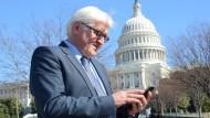 Minister nutzen mehr Einweg-Telefone