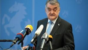 NRW-Innenminister Reul unterliegt gegen Junge Freiheit