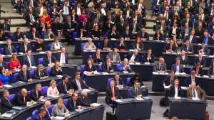 Paritätsgesetz würde Frauenanteil im Bundestag nur geringfügig erhöhen