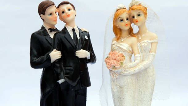 Tausende Schwule und Lesben heiraten