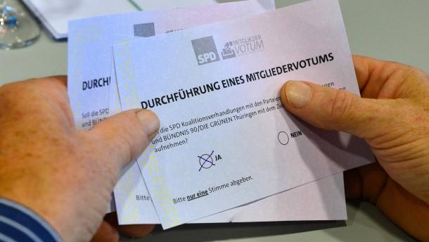 SPD-Basis in Thüringen stimmt für Rot-Rot-Grün
