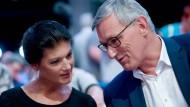 Sind sich uneins über die Strategie der Partei die Linke: Sahra Wagenknecht (l.), die eine neue Sammlungsbewegung ins Leben gerufen hat, und der Bundesvorsitzende Bernd Riexinger