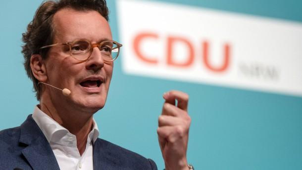 Hendrik Wüst zum neuen Ministerpräsidenten von NRW gewählt