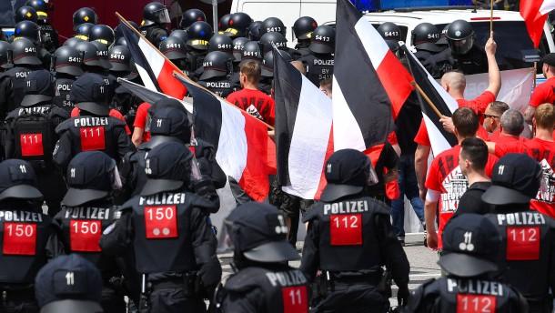 """""""Rechtsextreme wollen Boden und Land"""""""