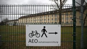 Herrmann lobt Ankerzentren