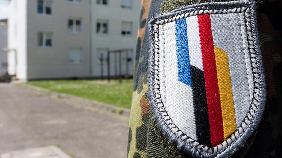 Vorläufer einer europäischen Armee?: Ein Soldat der deutsch-französischen Brigade im Mai 2017 in Illkirch