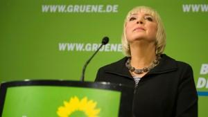 Claudia Roth will Vorsitzende bleiben