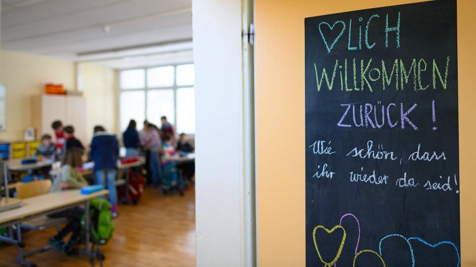 Seit Montag sind die Grundschulen in Sachsen wieder geöffnet.