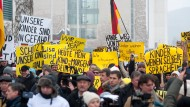 Fake News: Demonstration vor dem Kanzleramt im Fall Lisa 2016