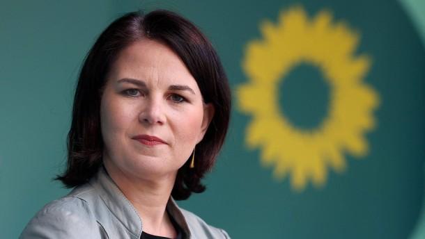 """""""Politbarometer"""": Annalena Baerbock verliert an Zustimmung"""