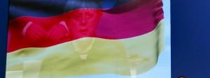 Übergroß in Essen: Merkel beim CDU-Parteitag