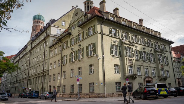 Disziplinarverfahren gegen 20 Beamte in München