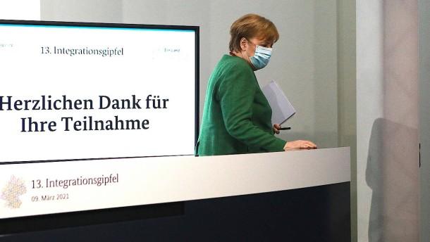 Merkel für Förderung von Integration