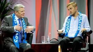Gauck diskutiert, Käßmann wird gefeiert