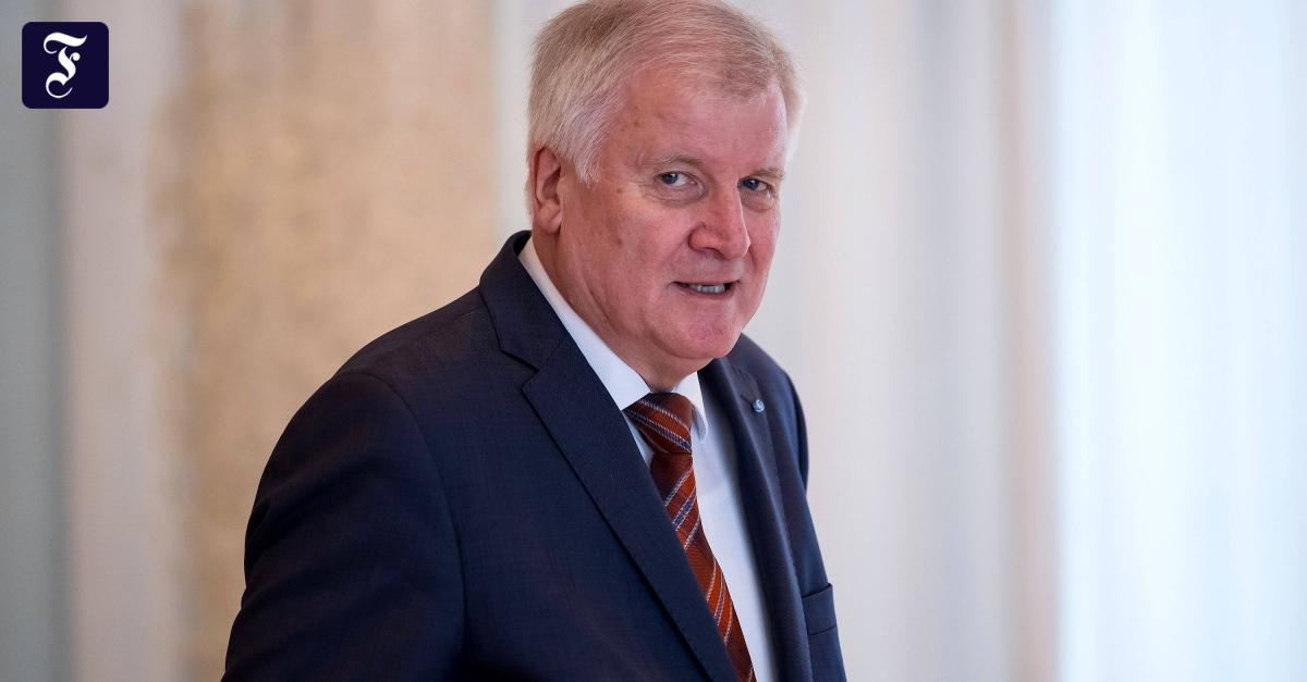 Horst Seehofer wettert gegen Informationslecks in der Partei