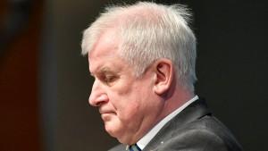 Treffen zwischen Seehofer und NRW-Minister abgesagt