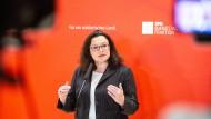 Diesmal kommt die Kritik für SPD-Vorsitzende Andrea Nahles aus den eigenen Reihen: Die Europawahlliste sorgt für Aufregung.