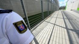 Gefährder dürfen vor Abschiebung in Gefängnis