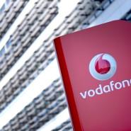 Das Vodafone.Firmenlogo vor der Deutschlandzentrale des Konzerns in Düsseldorf