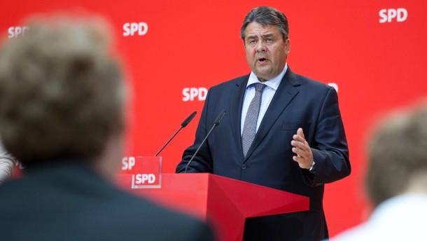 Gabriel setzt Merkel in der BND-Affäre unter Druck