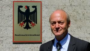 Regierung schweigt zur Zukunft des BND-Chefs
