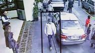 Polizei fahndet mit neuem Foto nach Mann mit Hut