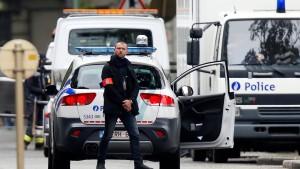 Zwölf Festnahmen bei Razzien in 16 Städten
