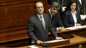 Hollande schickt Flugzeugträger vor Syrien