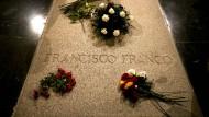 Grab des ehemaligen spanischen Diktators Francisco Franco in der Basilika im Tal der Gefallenen bei El Escorial.