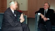 Bundeskanzler Helmut Kohl und Hans Modrow im Februar 1990 in Davos