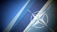 Das Nato-Logo im Pressezentrum in Straßburg
