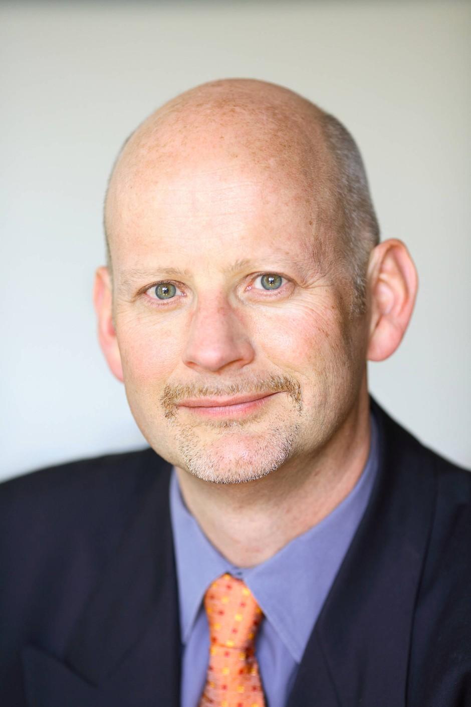 Professor Dr. Stephan Bierling lehrt Internationale Politik und Atlantische Beziehungen an der Universität Regensburg.