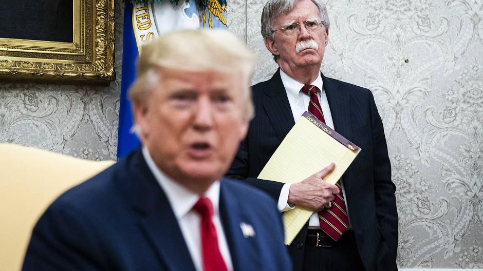 Bolton und Trump am 18. Juli 2018