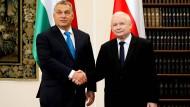 Jaroslaw Kaczynski und Viktor Orban am 22.September 2017 in Warschau