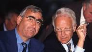 Theo Waigel und sein ewiger Widersacher Edmund Stoiber, aufgenommen 1998