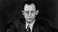 """Eugen Kogon bei der Präsentation seines Buches """"Der SS-Staat"""""""