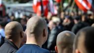 Rechtsextremisten bei einer Kundgebung in Dortmund