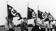 Berliner Feldgottesdienst 1933: Pfarrer Walter Hoff und SA-Männer