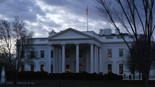 Mit Omas Nachthemd im Weißen Haus