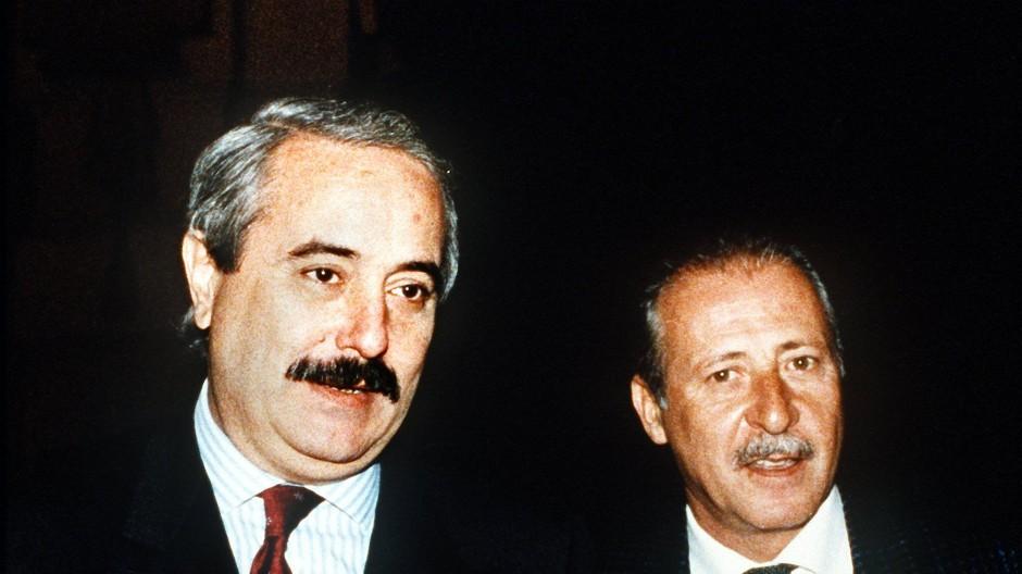 Die Richter Giovanni Falcone (l) und Paolo Borsellino