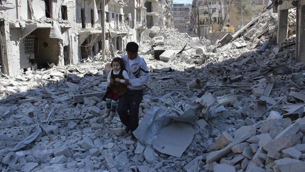 Kämpfe, Folterungen, Flüchtlingsströme