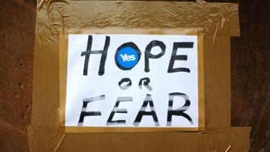 Hoffnung und Angst. Ein handgemachtes Plakat der Separatisten in Glasgow