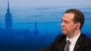 Medwedjew spricht von neuem Kalten Krieg
