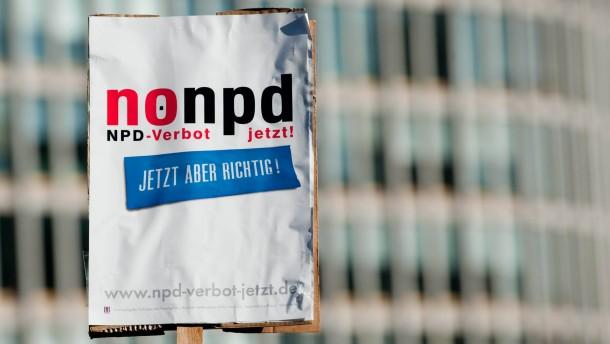 CDU-Generalekretaer Groehe mahnt zur Vorsicht bei NPD-Verbotsverfahren