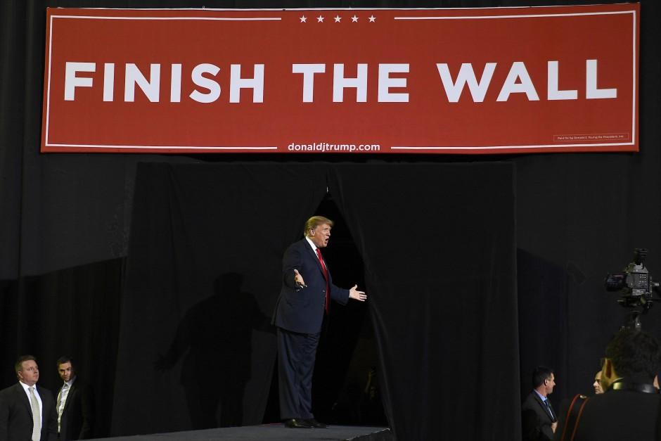 Donald Trump am Montagabend in El Paso, Texas