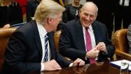 John Kelly mit Präsident Trump im Januar im Weißen Haus