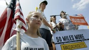 Waffengegner spenden mehr Geld im Wahlkampf als NRA