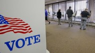 Bei der vorzeitigen Stimmabgabe gab es bisher nur einmal den Verdacht auf Wahlmanipulation. Eine Frau wollte ihre Stimme zweimal abgeben - für Trump.