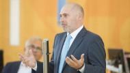 René Rock ist der Spitzenkandidat der hessischen FDP. Mit ihm könnte eine schwarz-grüne Regierung stehen und fallen.